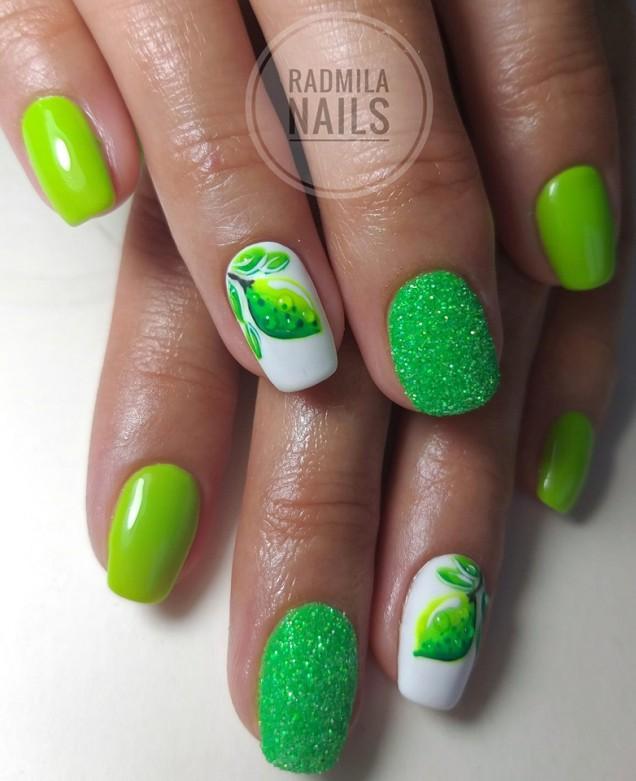 жабешко зелен маникюр