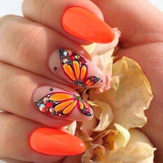 оранжев маникюр с пеперуди