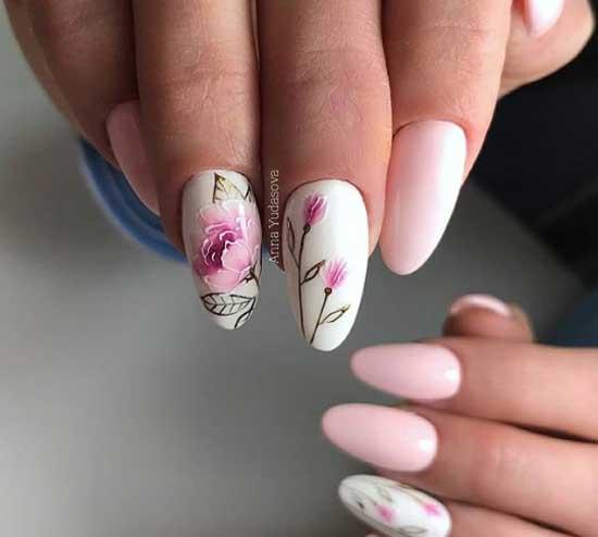 маникюр в бяло и розово с цветя
