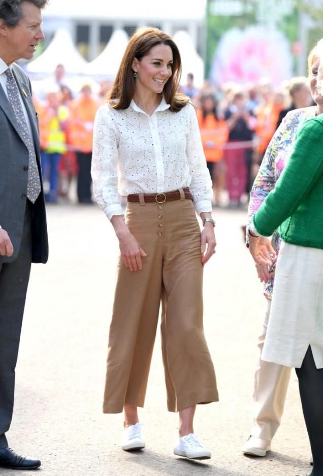 Кейт мидълтън панталони
