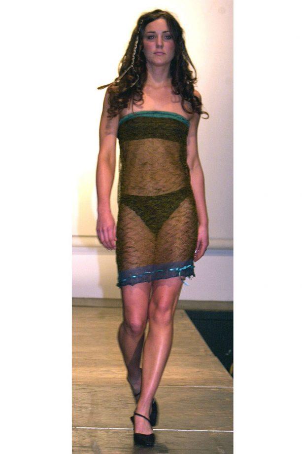 голата рокля на Кейт Мидълтън