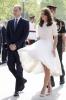 Кейт с рокля, развята от вятъра