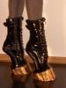 Трай, бабо, за гиздост: най-изчанчените токчета от модния подиум - не бихте ги причинили и на най-върлия си враг (Снимки)