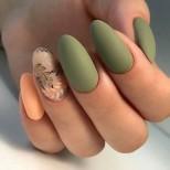 маникюр в прасковено и пастелно зелено