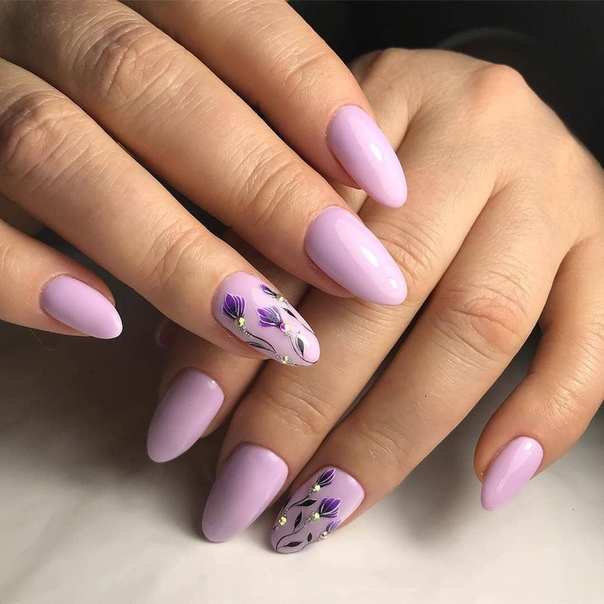 нежен лилав маникюр