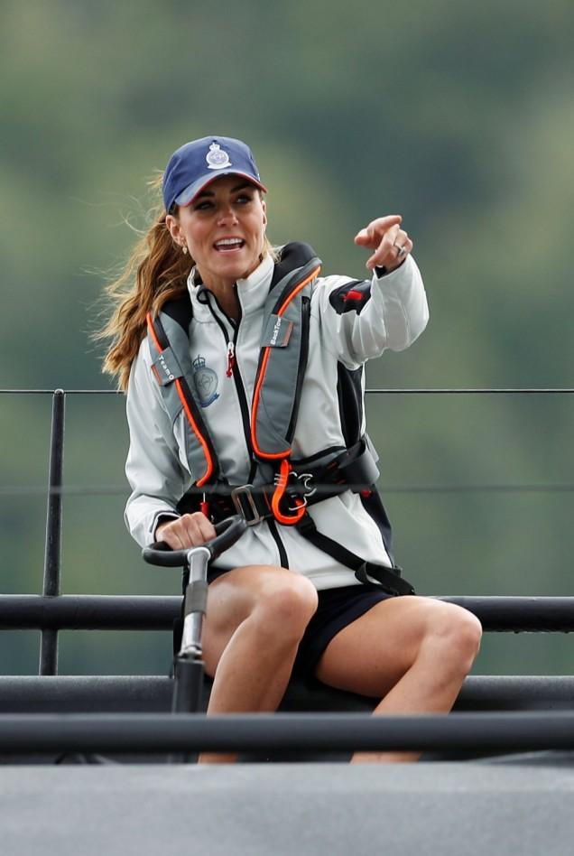 Кейт Мидълтън на плаване с яхта