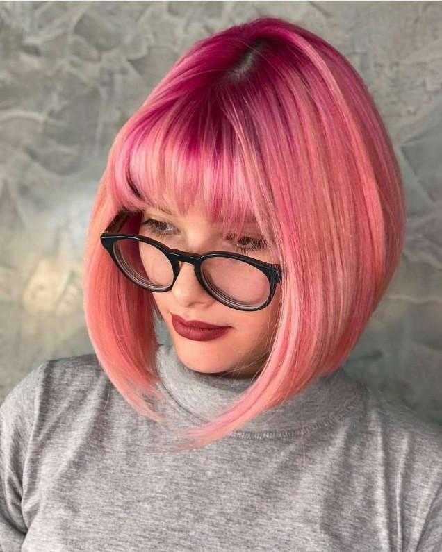 каре на розова коса