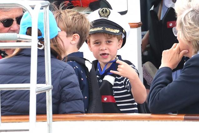 принц Джордж на лодка
