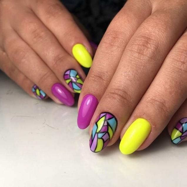 маникюр жълто и лилаво