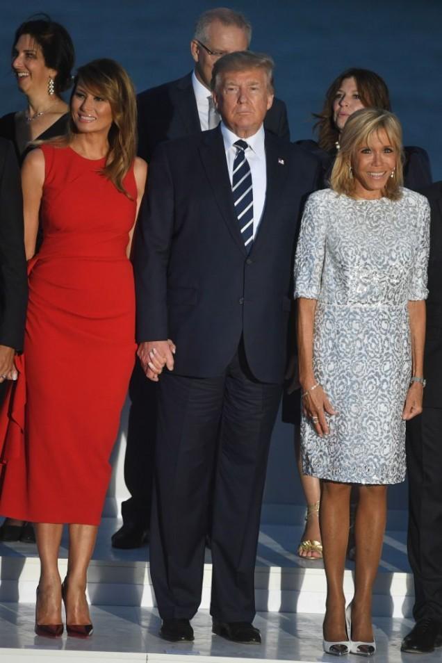 Макрон и Мелания с Тръмп