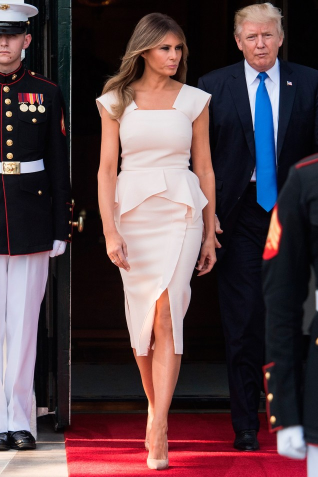 Мелания Тръмп стилна рокля