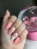 розов маникюр фламинго
