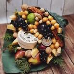 букет с плодове и сирена