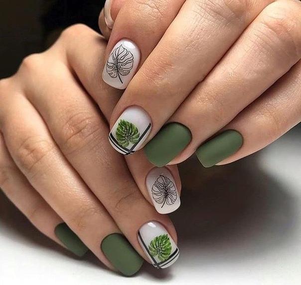 къси нокти в зелено
