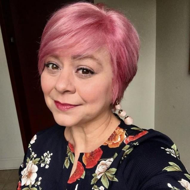 късо пикси в розово