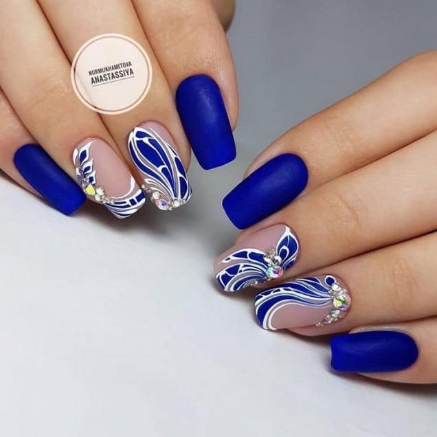 турско синьо маникюр