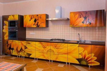 кухня със слънчогледи