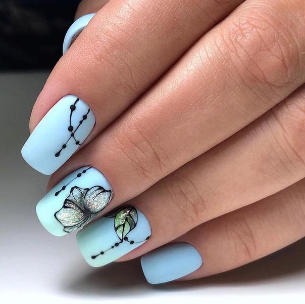 маникюр къси нокти в синьо