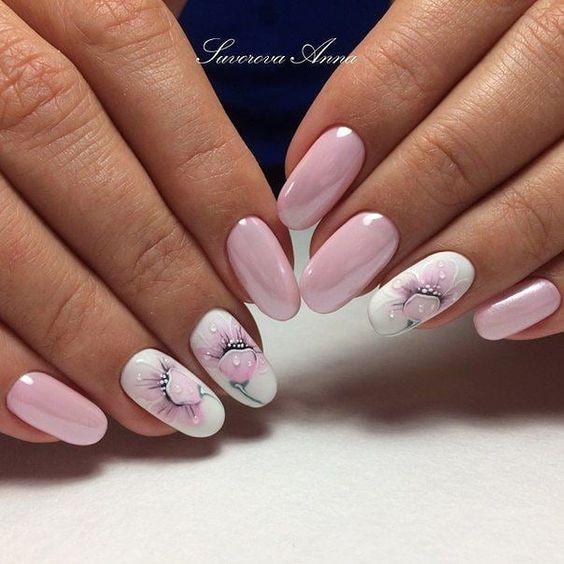 розов маникюр обли нокти