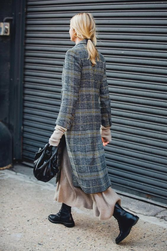 дълго карирано палто в сиво