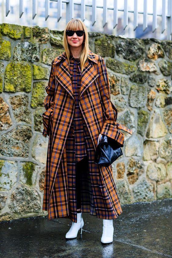 дълго карирано палто в оранжево