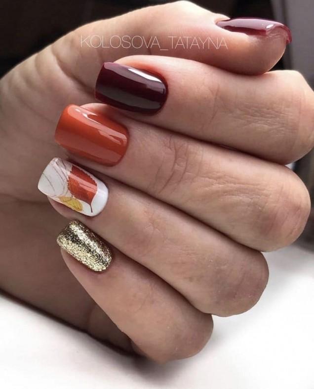 есенни къси нокти