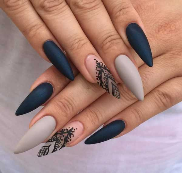 маникюр сиво и черно на остри нокти