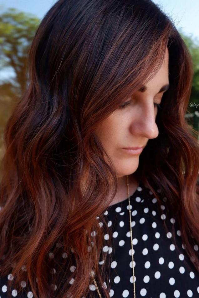 червена дълга коса