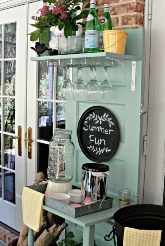 мини-бар от стара врата