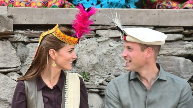 Кейт и Уилям с чатралски чалми