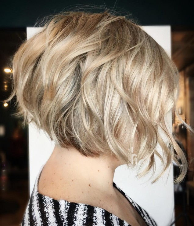 Прическа боб къса коса