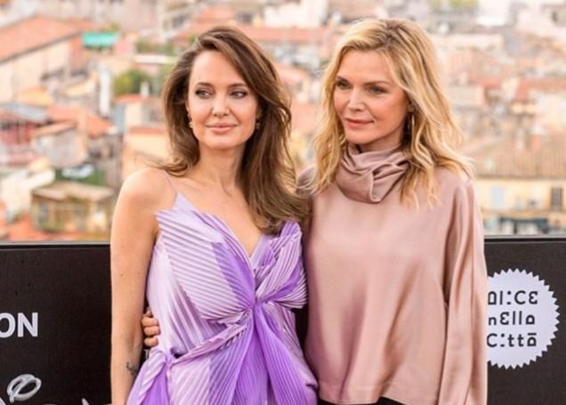 Анджелина и Мишел Пфайфър на премиерата на