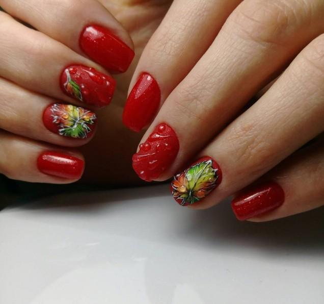 червен маникюр есен за къси нокти