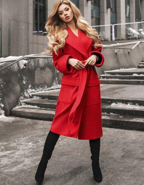 вталено червено палто с колан