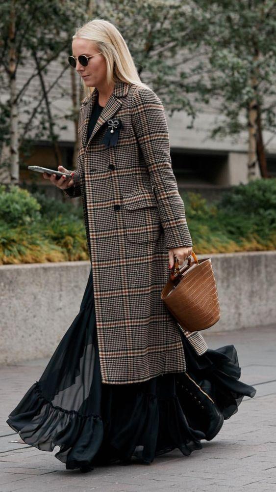 карирано палто с пола
