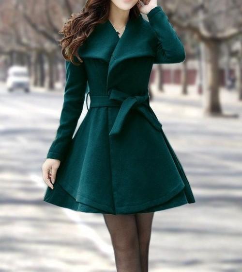 стилно палто в красиво зелено