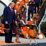 Първата двойка на САЩ на Хелоуин