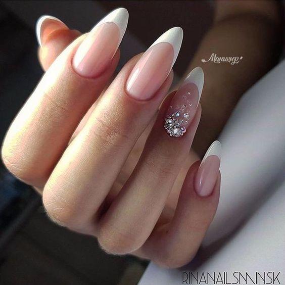 френски маникюр остри нокти