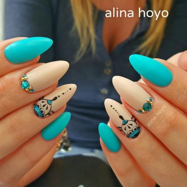арабски нокти бяло синьо