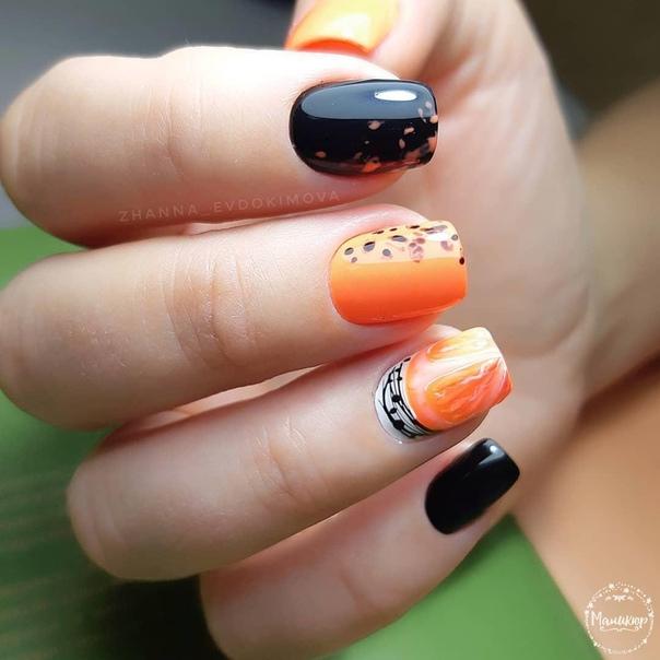 маникюр къси нокти в оранжево и черно