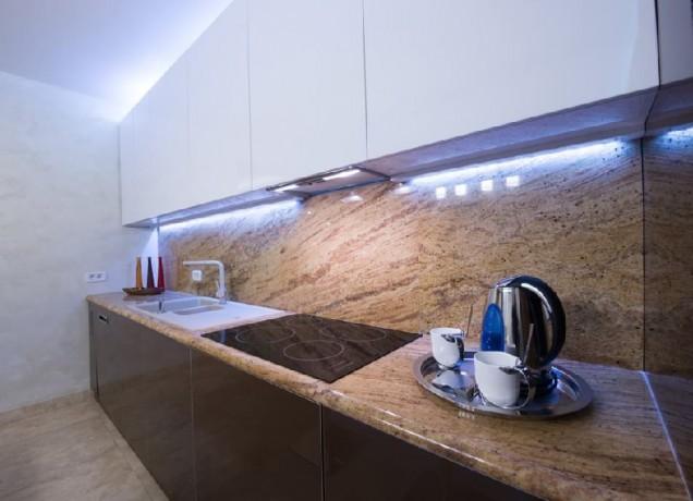 осветление в кухнята