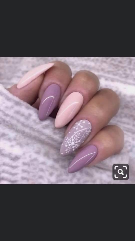 остри нокти розови