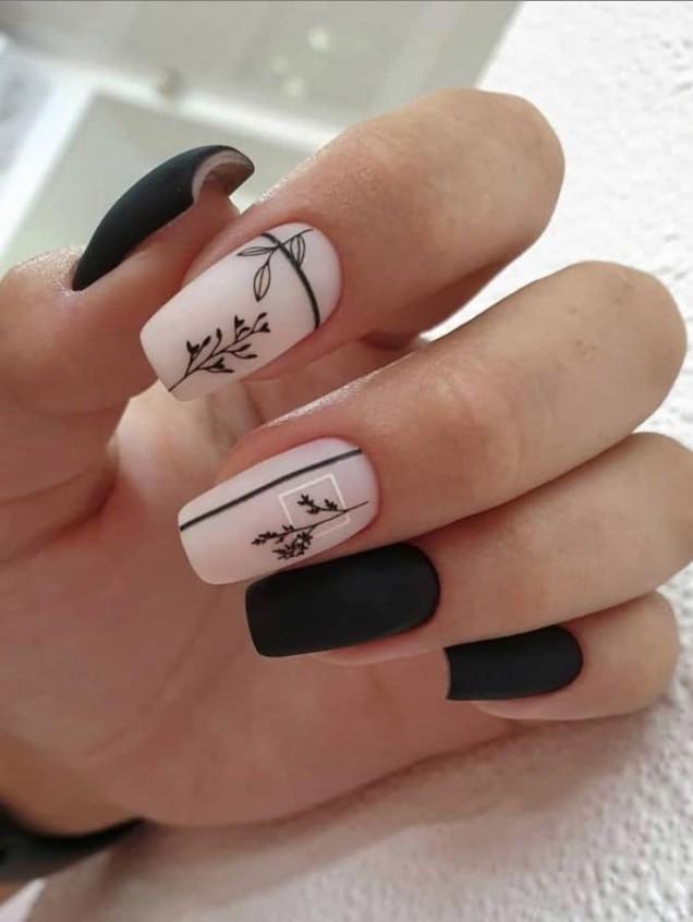 черно нокти.jpg