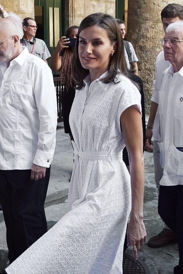 Летисия в бяло