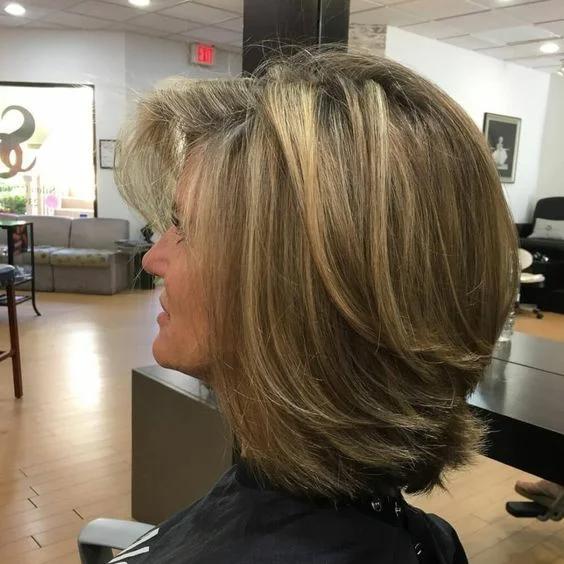 прически за тънка коса 2020