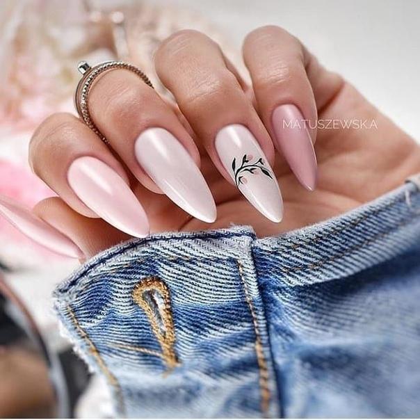 маникюр розова перла