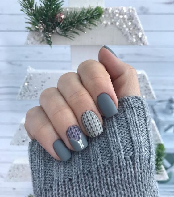 Зимни сиви маникюри