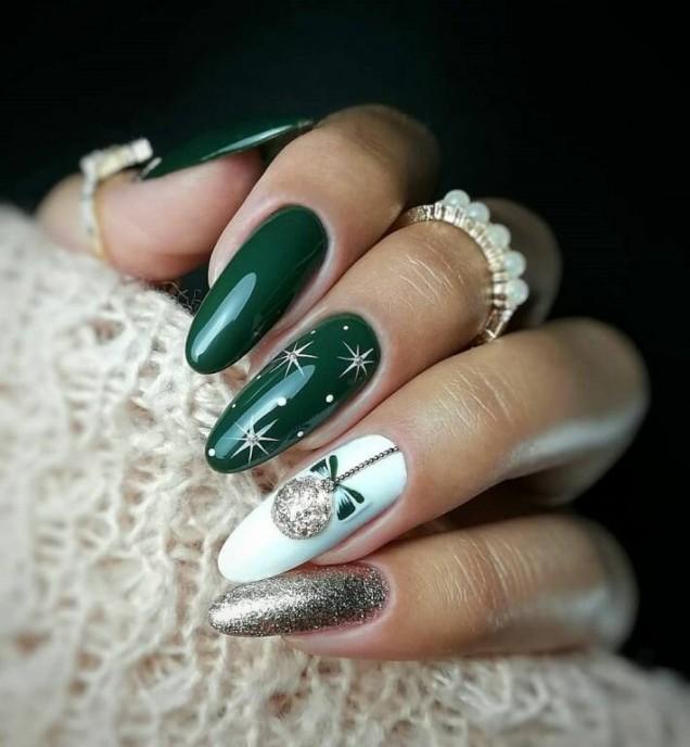 празничен маникюр зелено