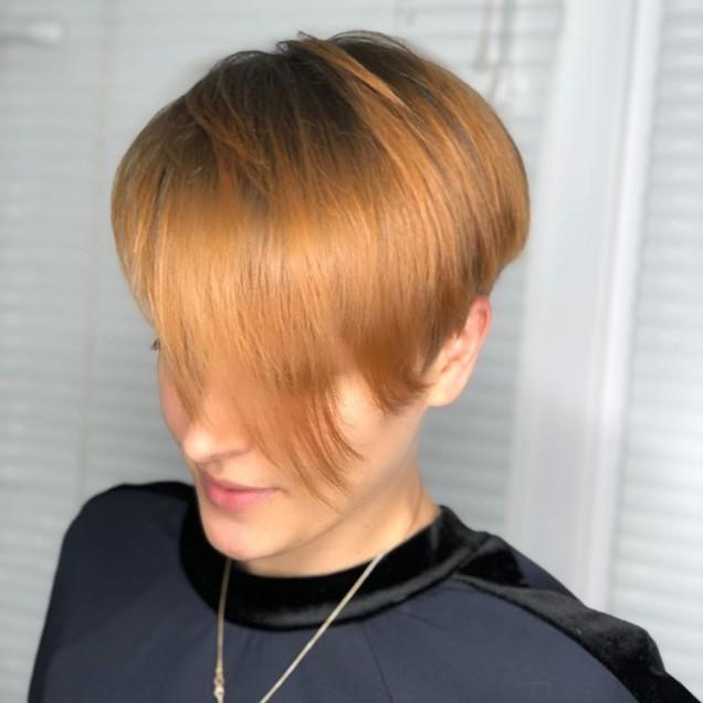 Прически къса коса 2020