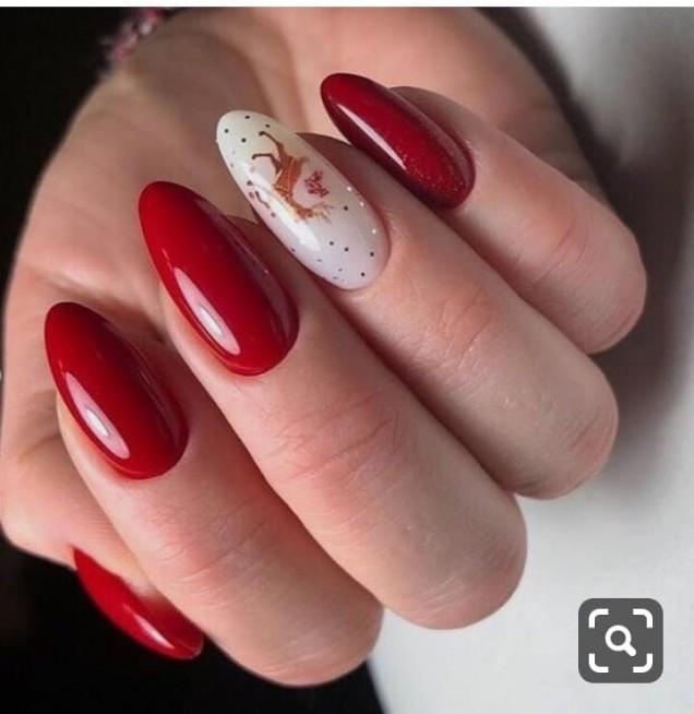 червен коледен маникюр